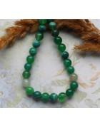 Бусины каменные агат насыщенно-зеленые с белыми вставками 8 мм