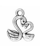 Подвеска металлическая Лебеди двусторонняя. Цвет черненое серебро