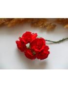 Гвоздики из прессованной бумаги красные