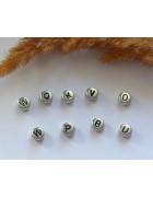 Бусины с буквами латинскими пластик серебристые круглые