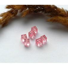 Бусины пластиковые квадратные прозрачные 7 мм. Розовые