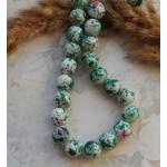 Бусины стеклянные под камень белые с зелеными вкраплениями. 10 мм