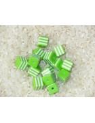 Бусины пластиковые квадратные бело-зеленые 8 мм