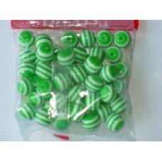 Бусины пластиковые круглые бело-зеленые 12 мм