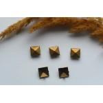 Хольнитены (заклепки) металлические квадратные. Цвет бронза