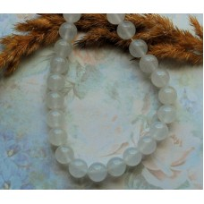 Бусины каменные нефрит (жадеит) белые полупрозрачные 10 мм