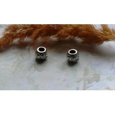 Бусины Pandora Style в форме бочонка металлические со стразами