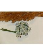 Розы бело-голубые из прессованной бумаги