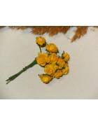 Розы из прессованной бумаги ярко-желтые